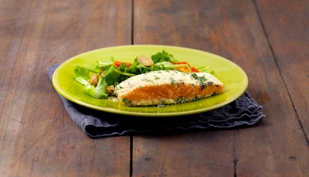 Filetto di Salmone Norvegese al forno con insalata di arance e castagne.
