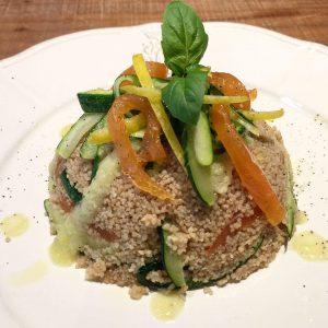 Cous cous con zucchine e salmone affumicato