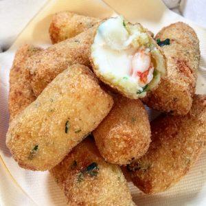 Crocchette di patate, gamberi e gorgonzola dolce