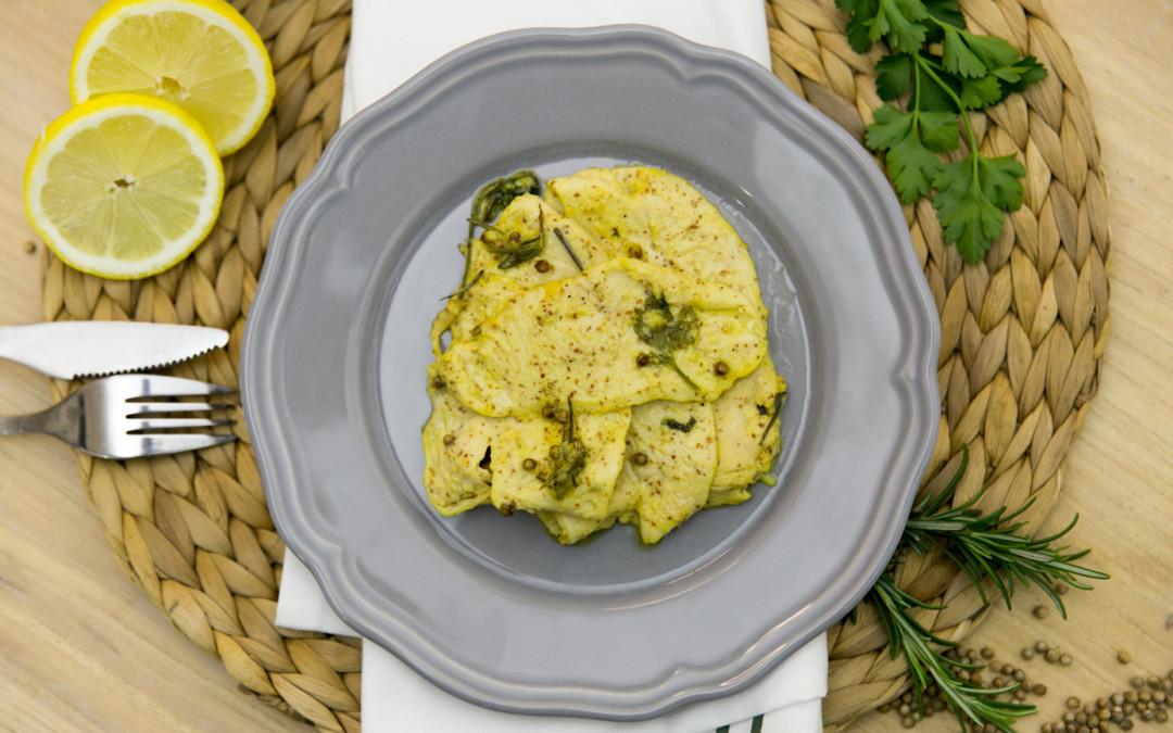 Petti di pollo alla senape ed erbe aromatiche.