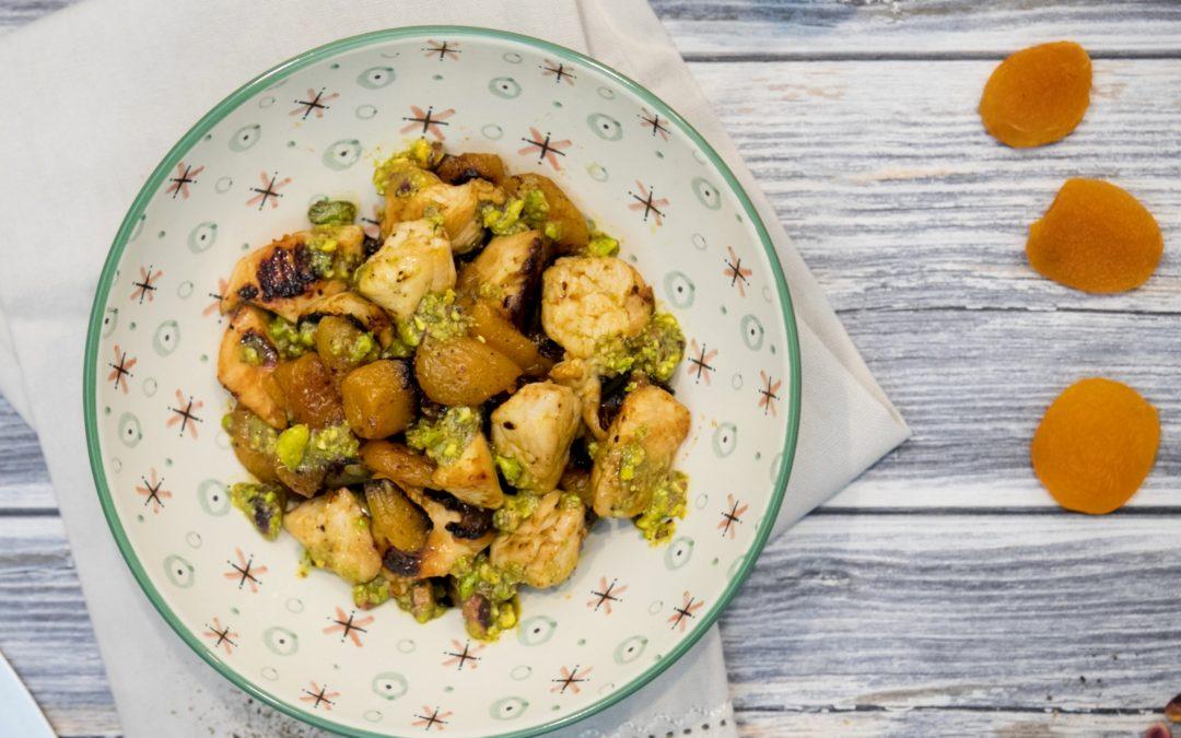 Bocconcini con albicocche e pesto di pistacchi.